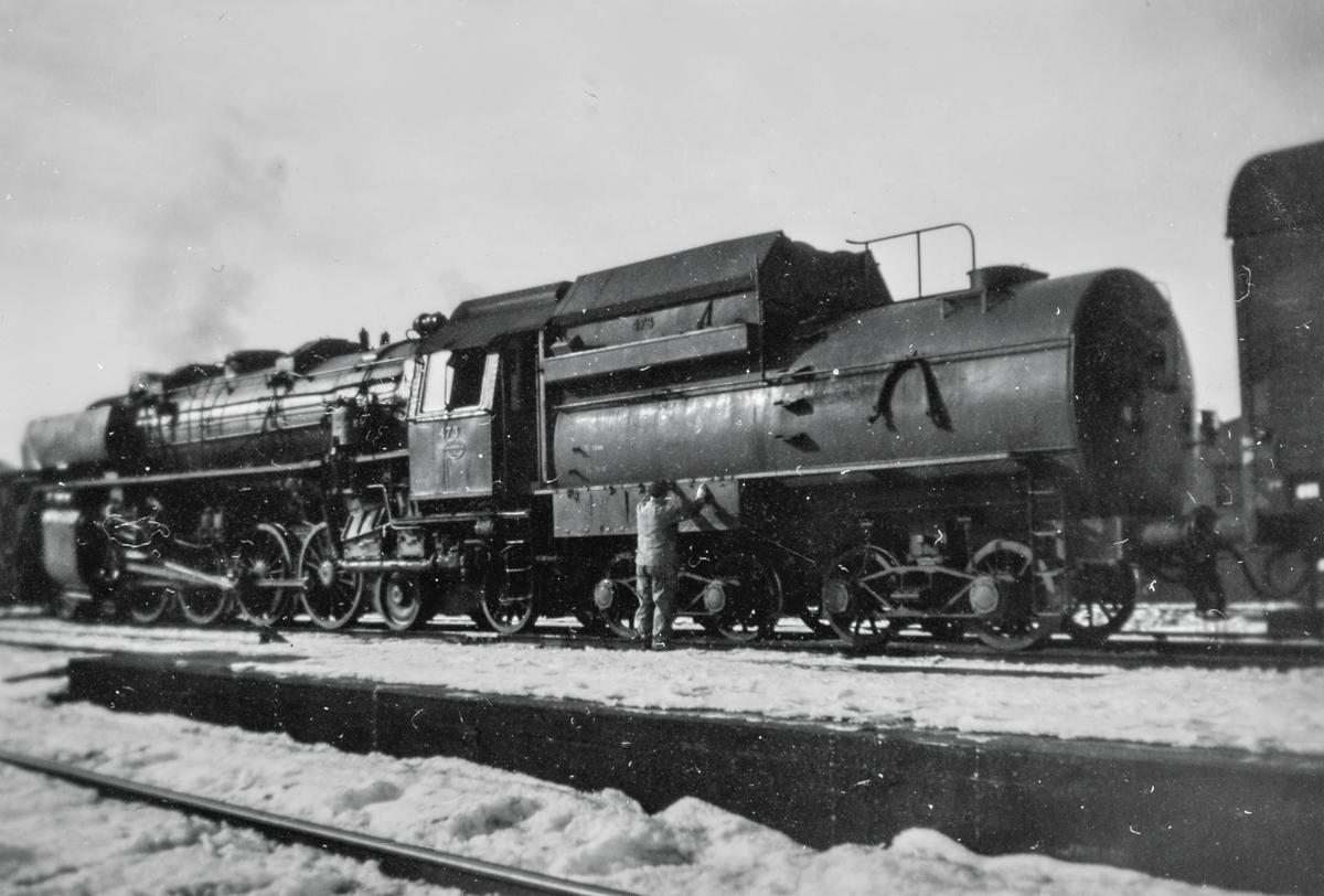 Damplokomotiv type 49c nr. 473 (Dovregubben) på Trondheim stasjon.