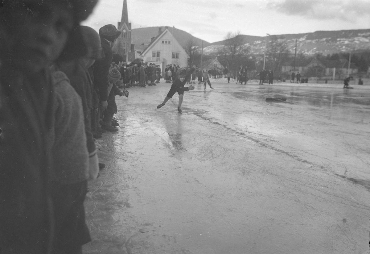 Skøyteløp på Sportsplassen i Lillehammer.