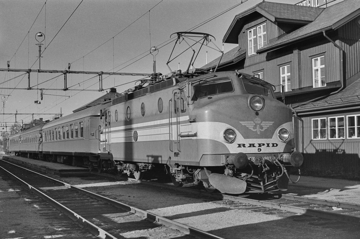 Svensk elektrisk lokomotiv type Ra nr. 993 i Storlien i Sverige.