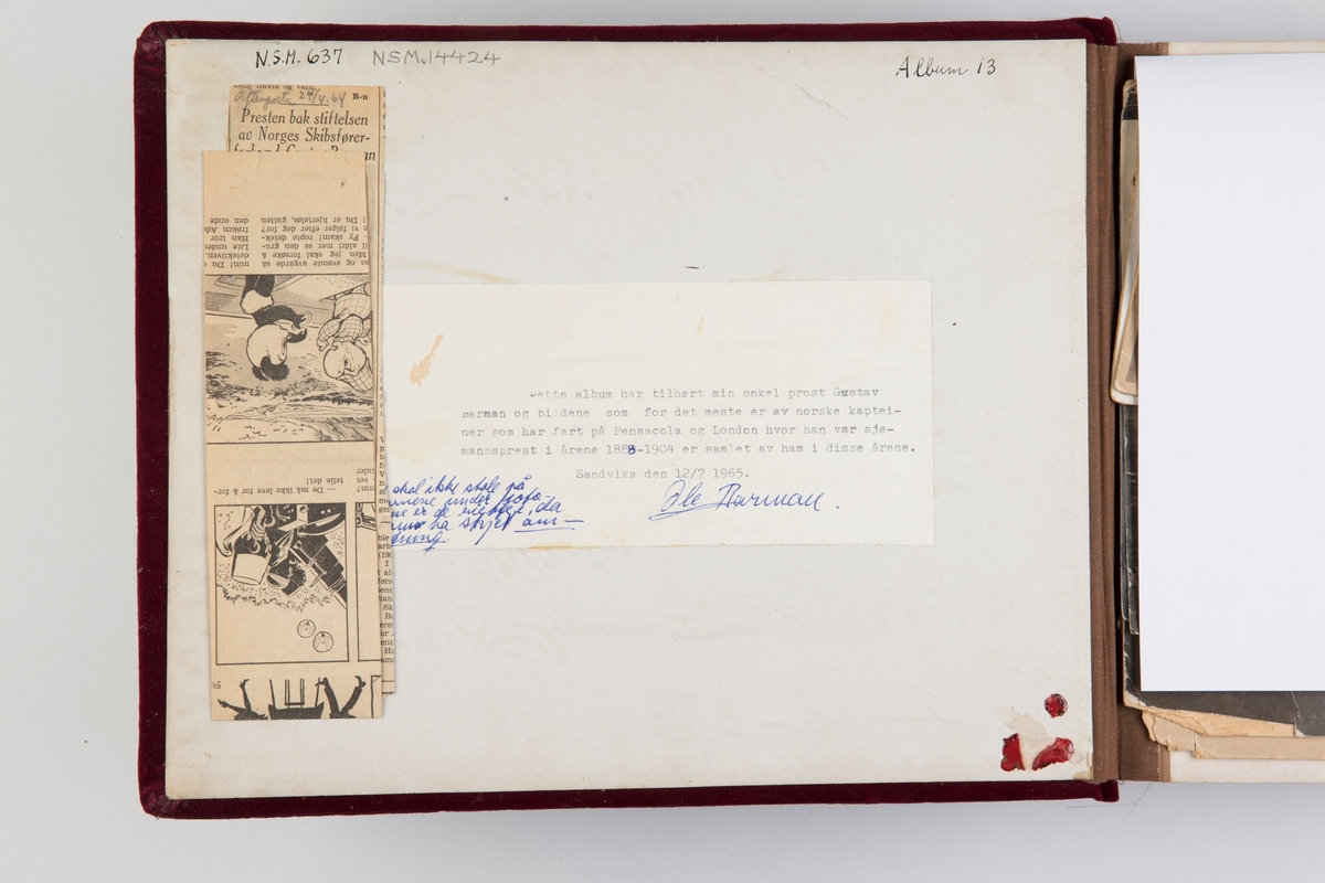 Fotoalbum med kabinettfotografier. Portretter av norske kapteiner, med koner og barn, som har fart på Pensacola og London. Samlet av prost Gustav Barman i årene 1888-1904. Prost Barmann var sjømannsprest disse steder.