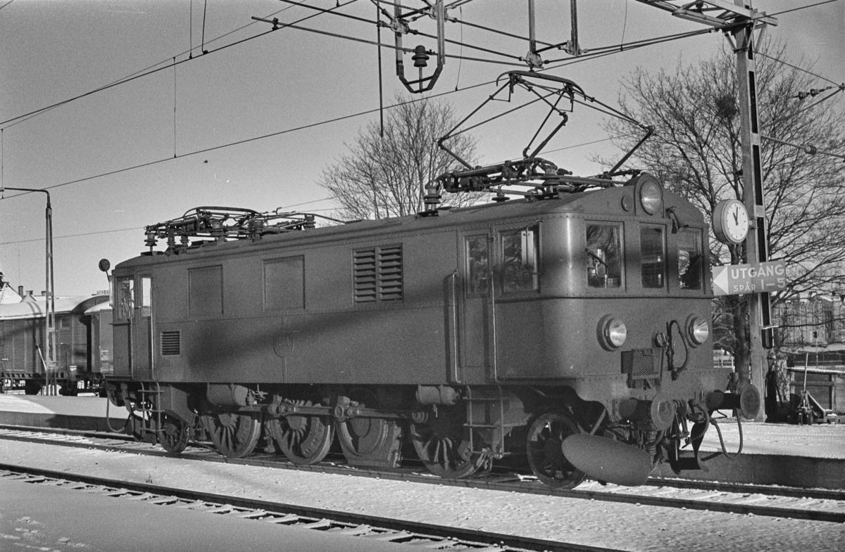 Svensk elektrisk lokomotiv type Du2 nr. 364 i Gävle i Sverige.