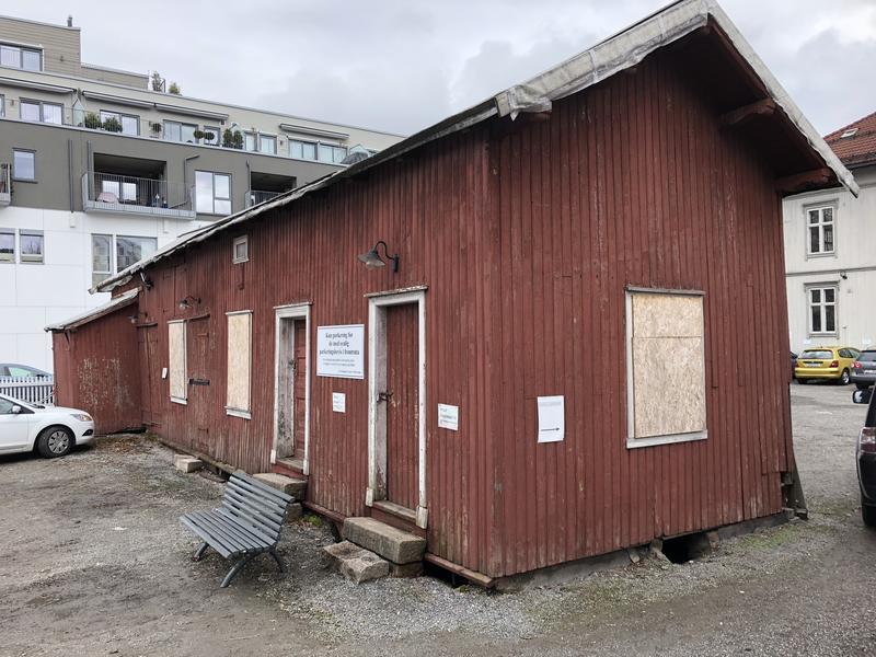 Uthuset før istandsetting.