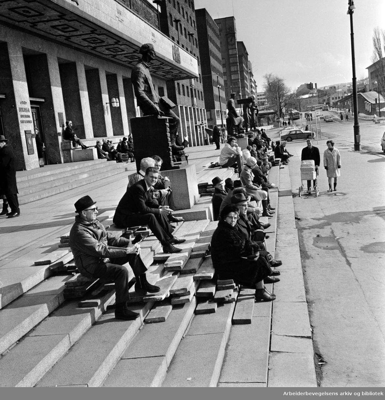 Rådhuset: April 1970