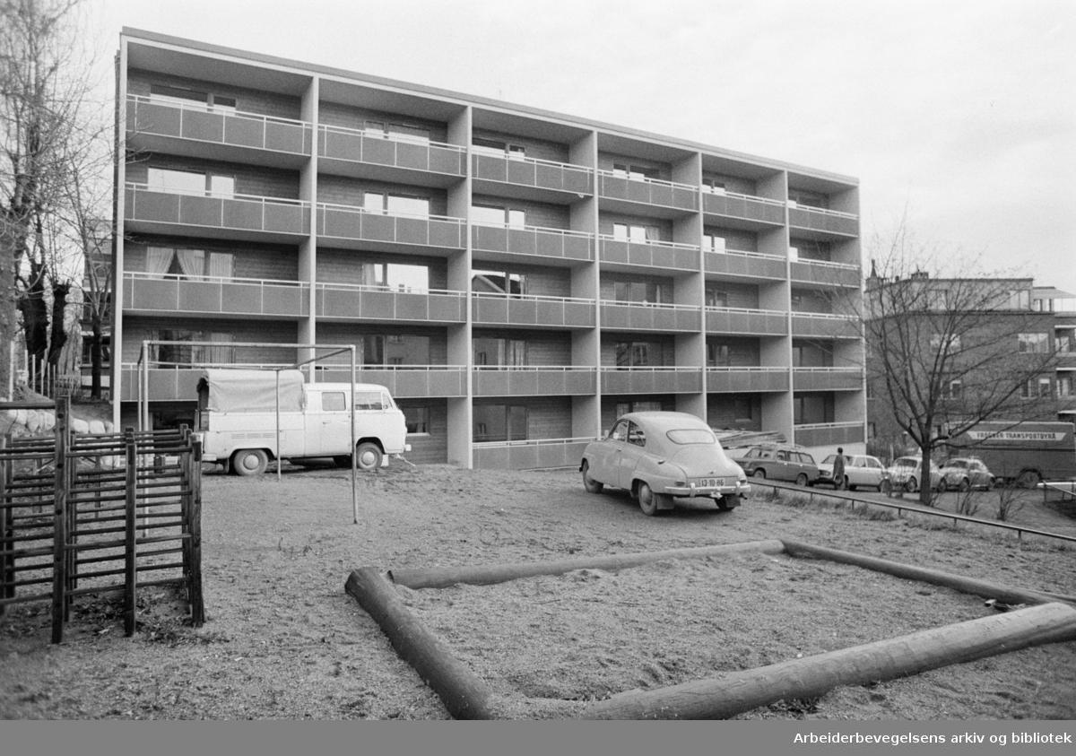 Munkedamsveien 79 b. Nye leiligheter for enslige.Desember 1972