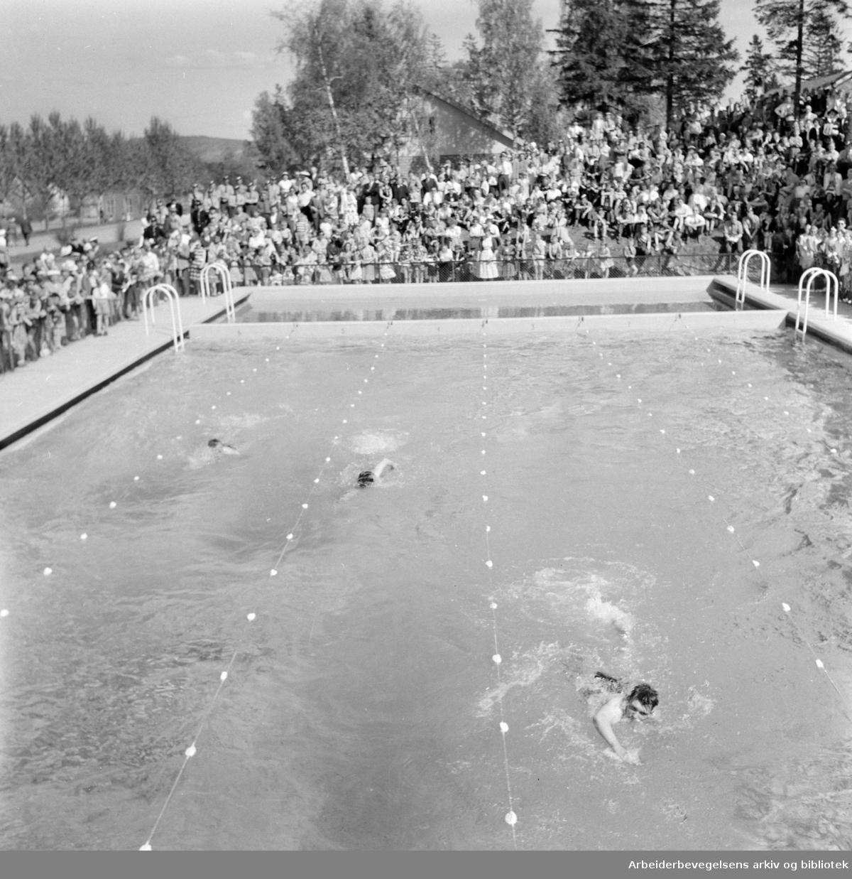 Husebyleiren. Gardens svømmebasseng. Juni 1958