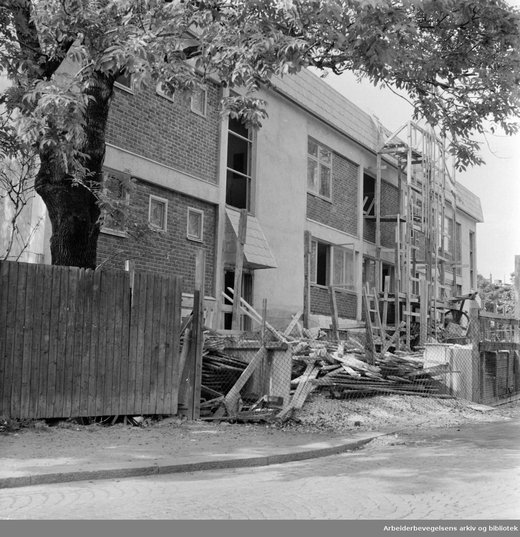 Fagerborggaten. Husmorforbundets nybygg. Juni 1958