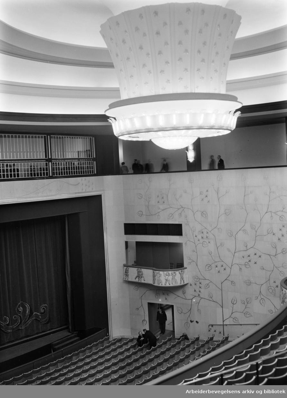Folketeaterbygningen ( interiører). November 1952