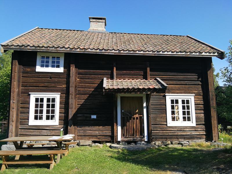 Bryggerhus / kårerstue. (Foto/Photo)
