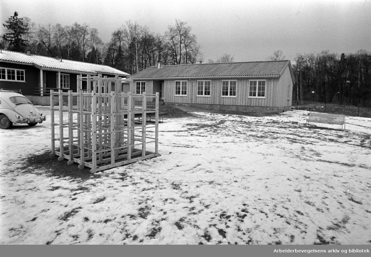 Blokkajordet. Husmødrenes barnehage. November 1969
