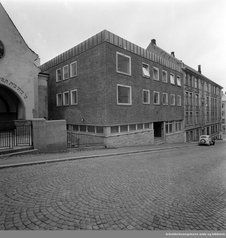Bergstien 13, Samfunnshuset. Februar 1957