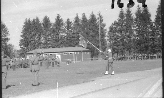 Regementets Dag 1956, A 6, Jönköping. Rocksjövallen. Parad för standaret.