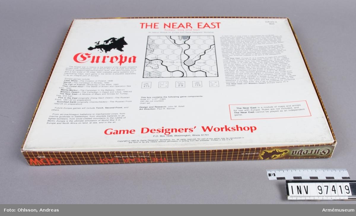 Spelet består av en tredelad karta över Mellanöstern och delar av Medelhavet med hexagonmönster, en karta med cirka 100 spelmarkeringar i form av små pappkvadrater i grönt, lila, vitt och beige med olika siffror, bokstäver och symboler, samt ett par häften och lösa blad med spelinstruktioner, tabeller och diagram.