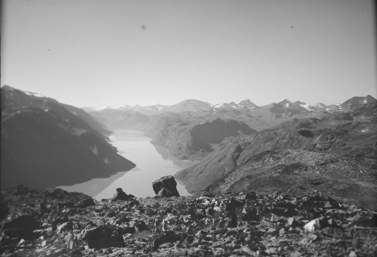 Jotunheimen, utsikt fra Veslfjellet mot Gjende