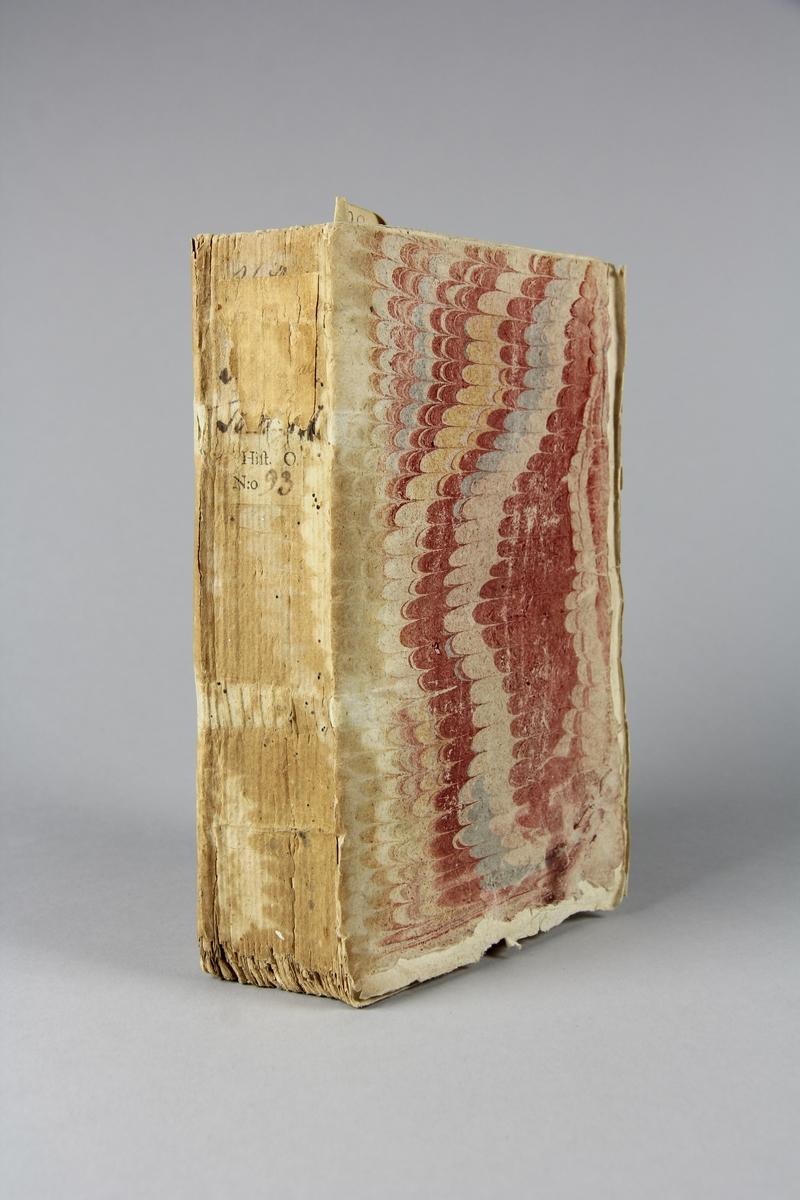 """Bok, häftad """"Histoire générale de Portugal"""", del 3. Pärmar av marmorerat papper, oskuret snitt."""