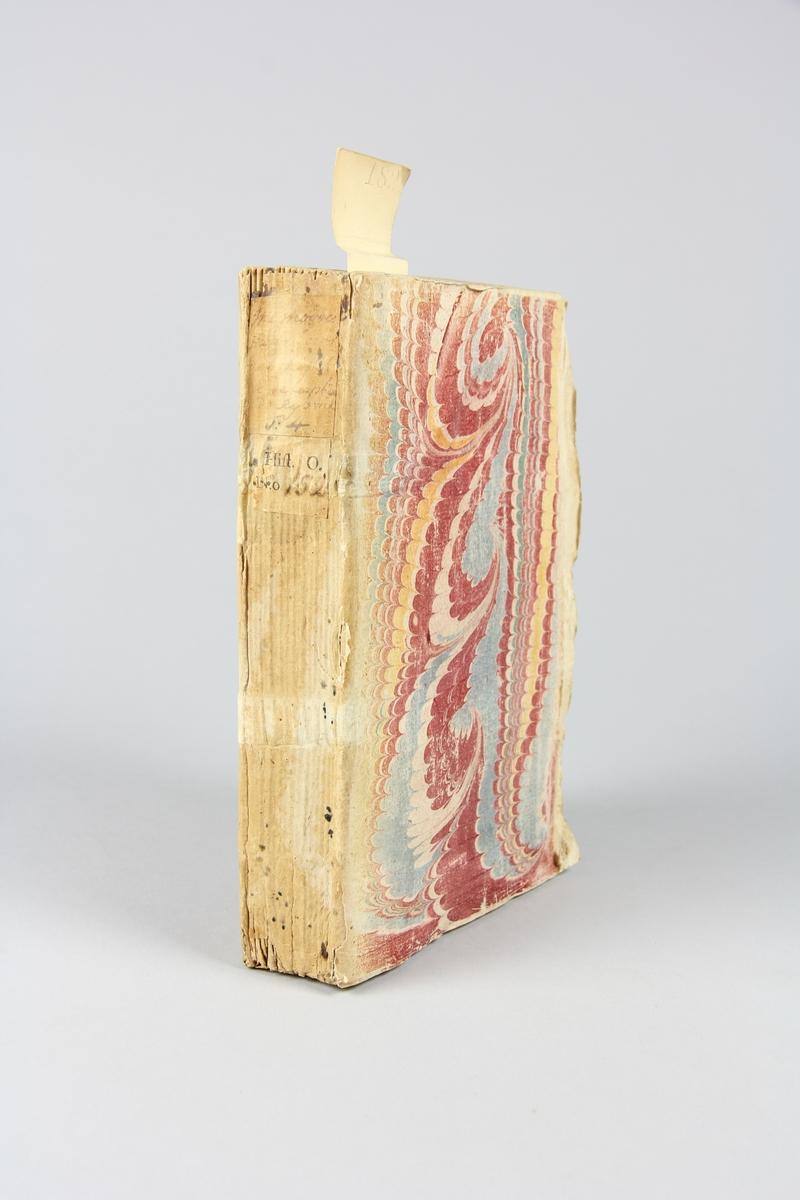"""Bok, häftad, """"Mémoires politiques...de la paix de Ryswick"""", del 4, tryckt 1699 i Haag. Pärm av marmorerat papper, oskuret snitt. Blekt rygg med etikett med titel och samlingsnummer."""