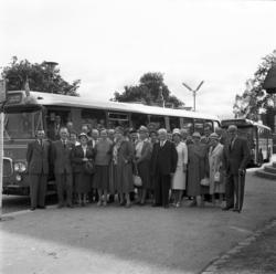 SJ-pensionärer som ska göra en busstur till Österström. Grup