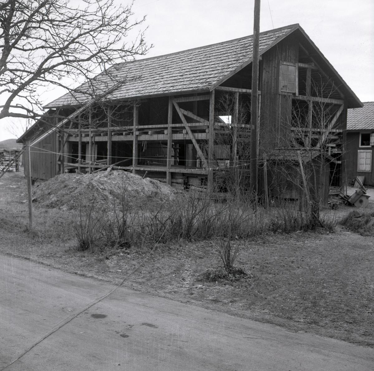 Rivning av en byggnad, 1967.