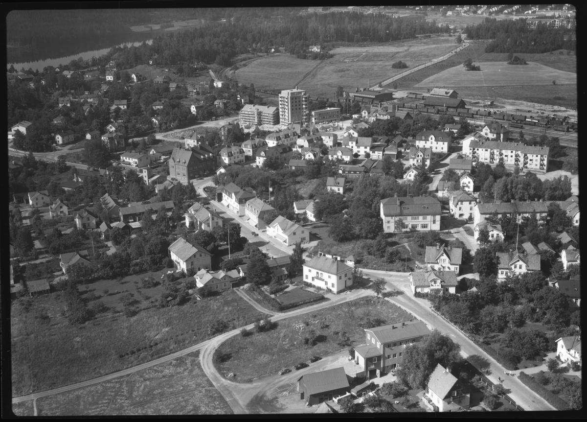 Flygfoto över Västanfors, Fagersta. Tagen 1958 av AB Flygtrafik Dals Långed.