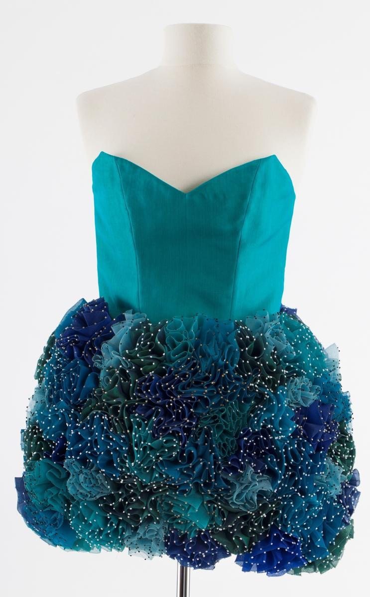"""Ingunn Birkeland, """"Blå rose kjole"""" (2008)"""