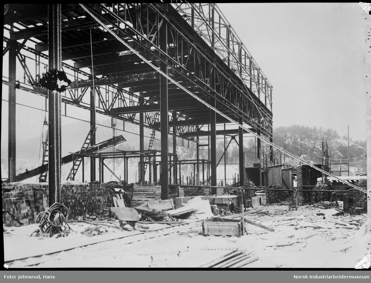 Bygging av Tinfos papirfabrik