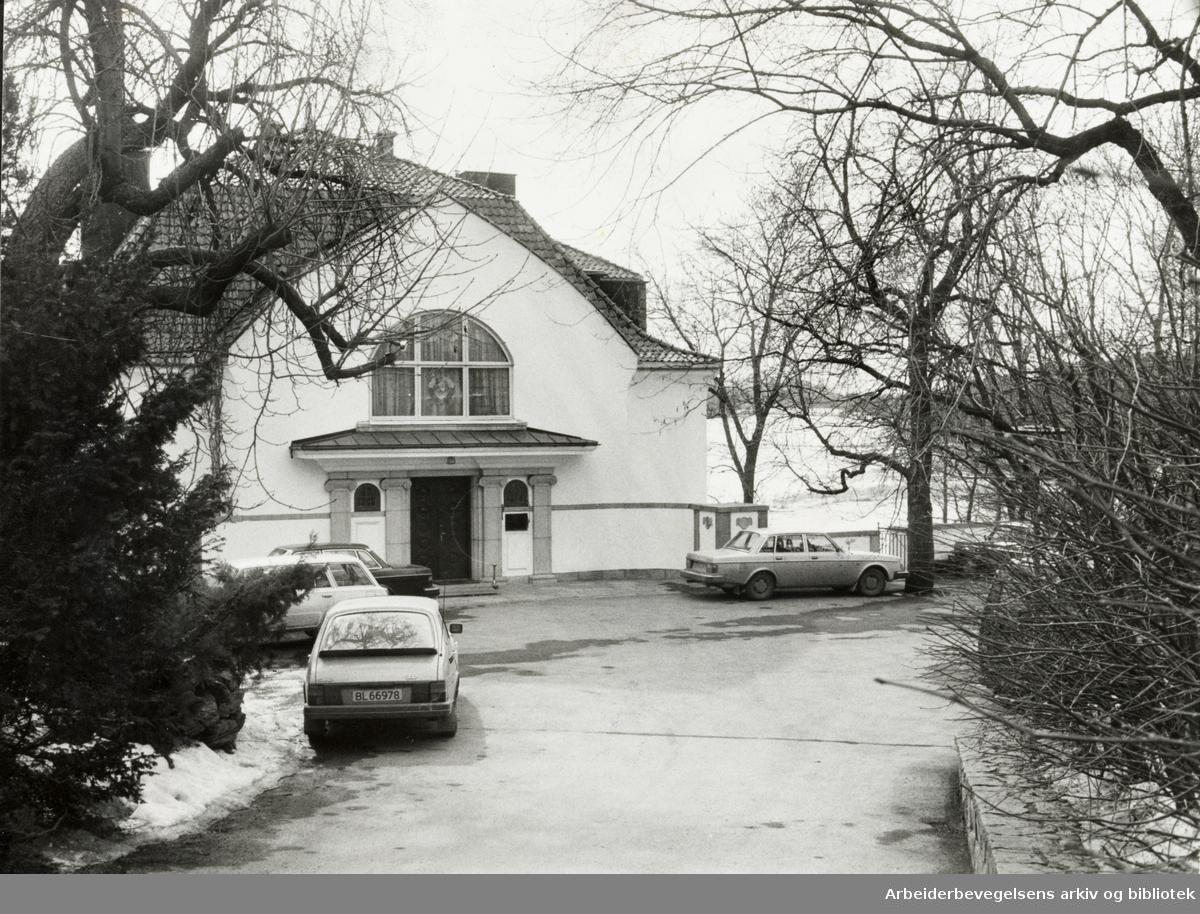 Drammensveien 106 B. April 1981
