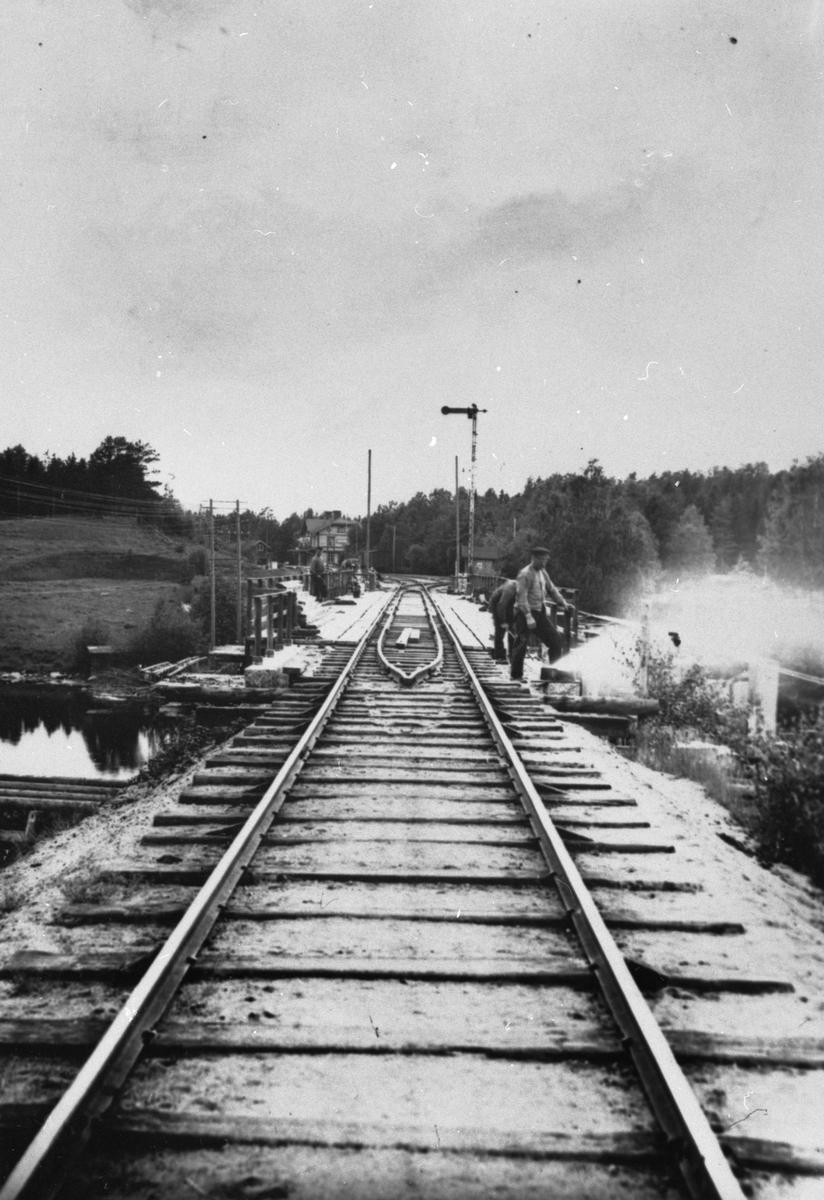 Bro och infart till Näsviken.