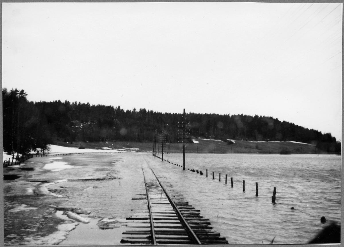 Översvämning i Uknadalen på linjen mellan Storsjö och Nelhammar.