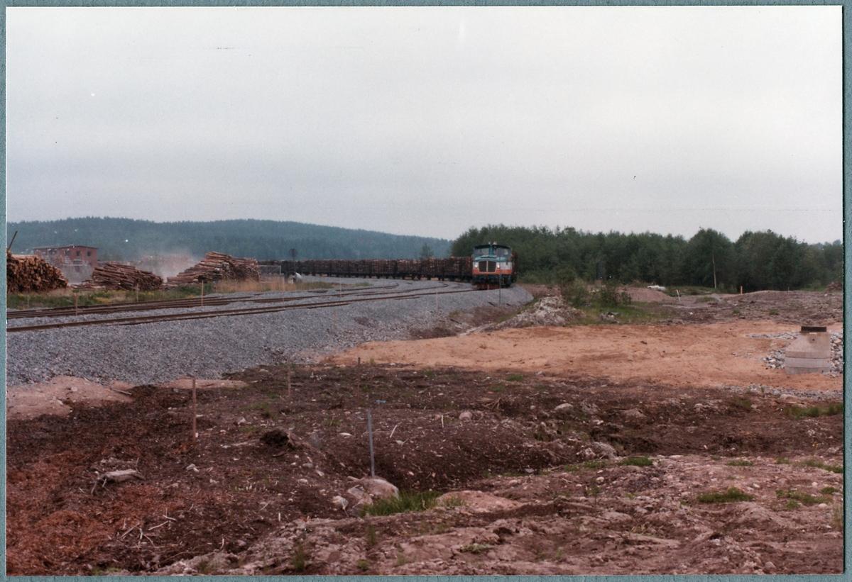 Åmmeberg Järnväg, ÅJ Z65 7 på linjen med timmertåg.