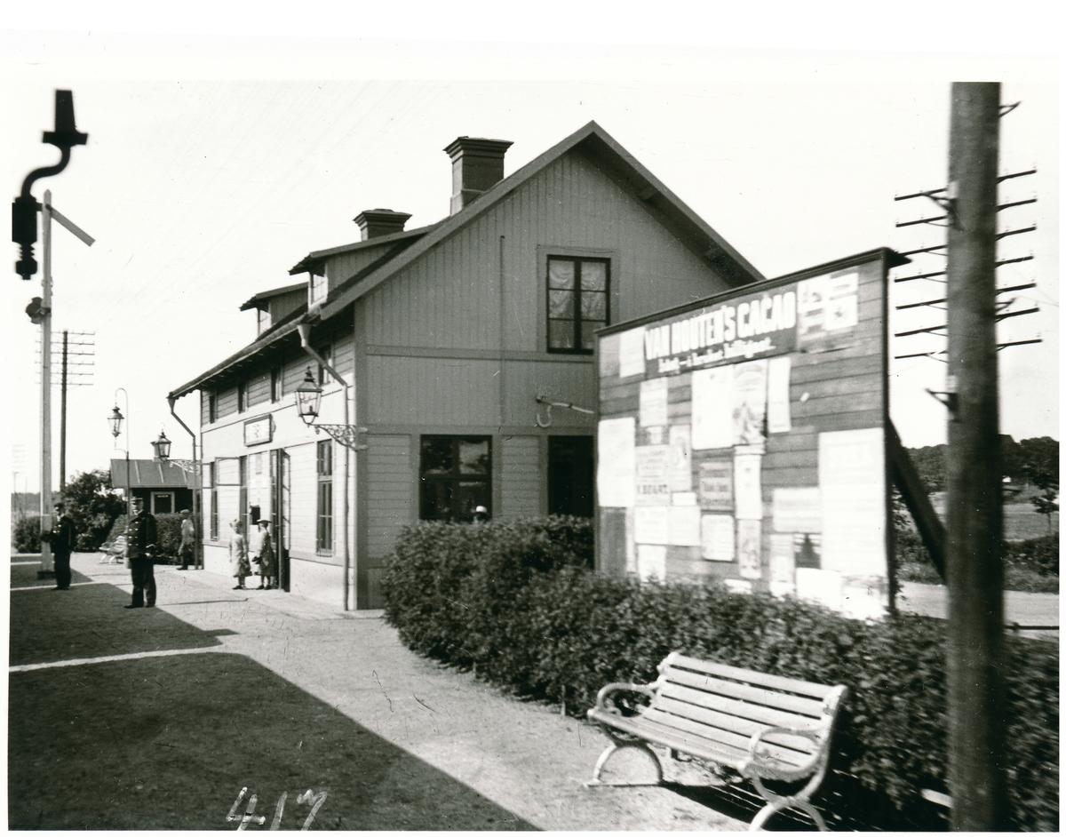 Täby station