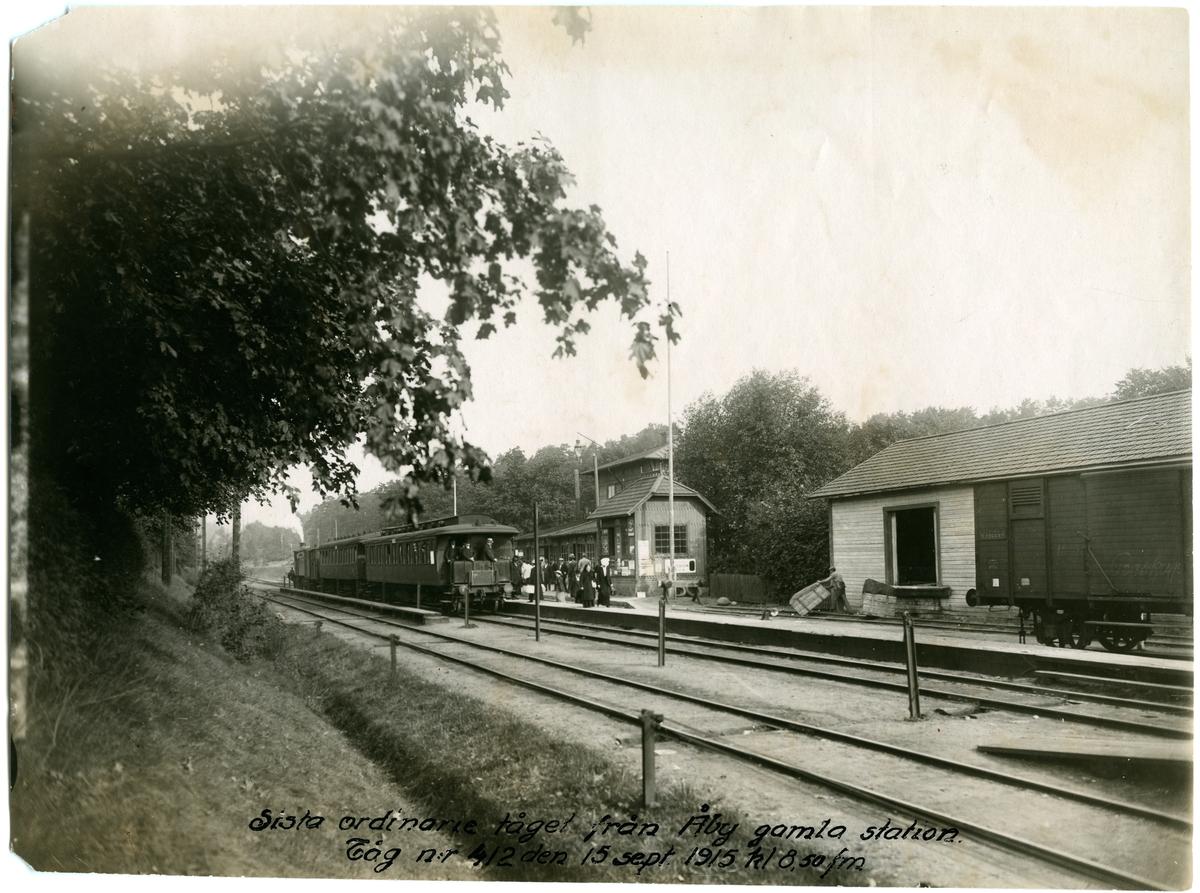 Sista ordinarie tåg, 41,2 från Åby äldsta station kl. 8.50 på förmiddagen. Statens Järnvägar,  SJ godsvagn 26682.