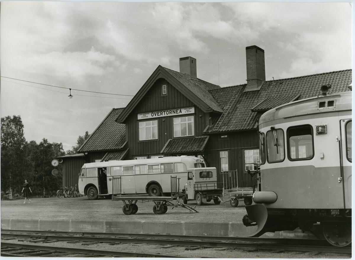 Övertorneå station. Statens Järnvägar, SJ Y6.