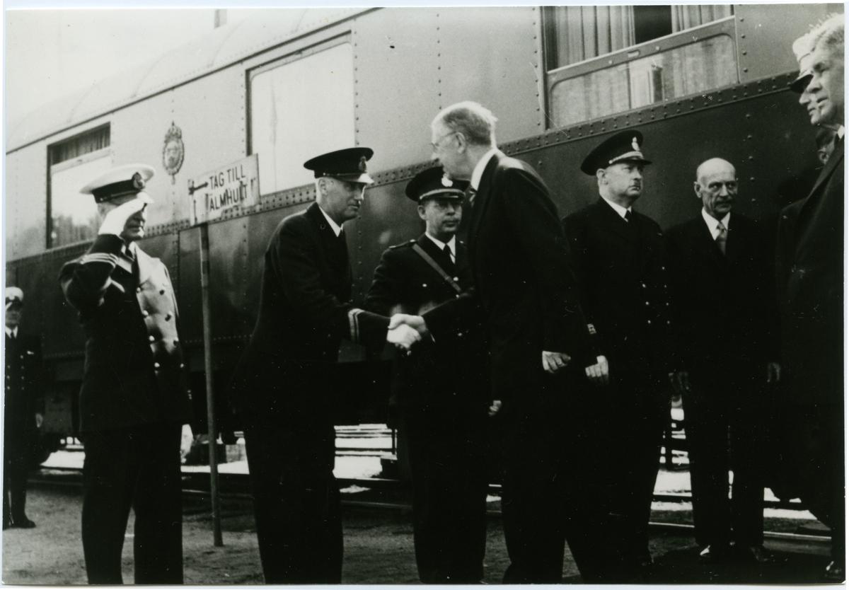 Sölvesborgs station. Sölvesborg-Kristianstads Järnväg, SCJ. Kung Gustaf VI Adolf på besök.
