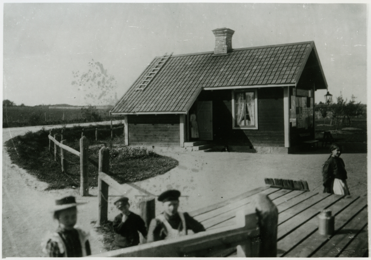 Vikbolandsbanan, VB. Spårvidd 891cm.