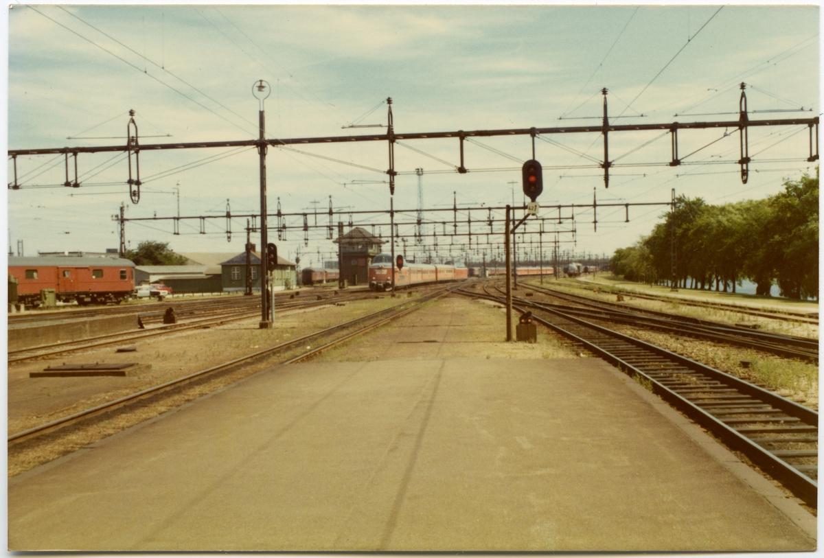 Malmö bangård med statens järnvägars motorvagnståg SJ Y3.