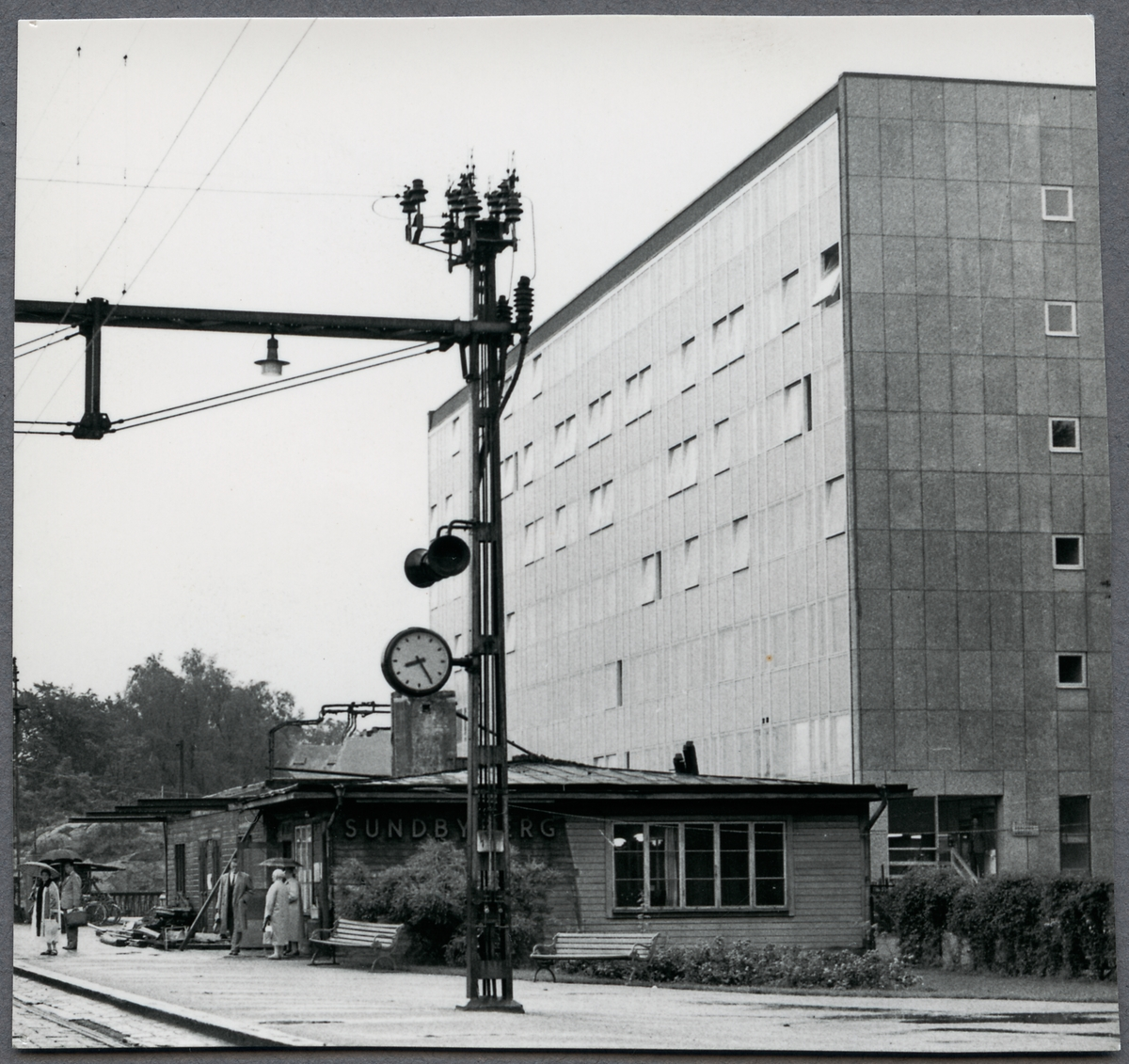 Rivning av station.