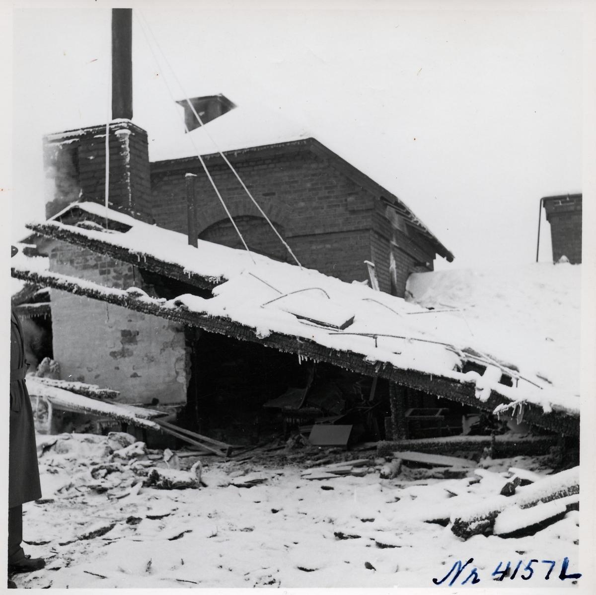 Driftverkstaden i Boden efter branden.
