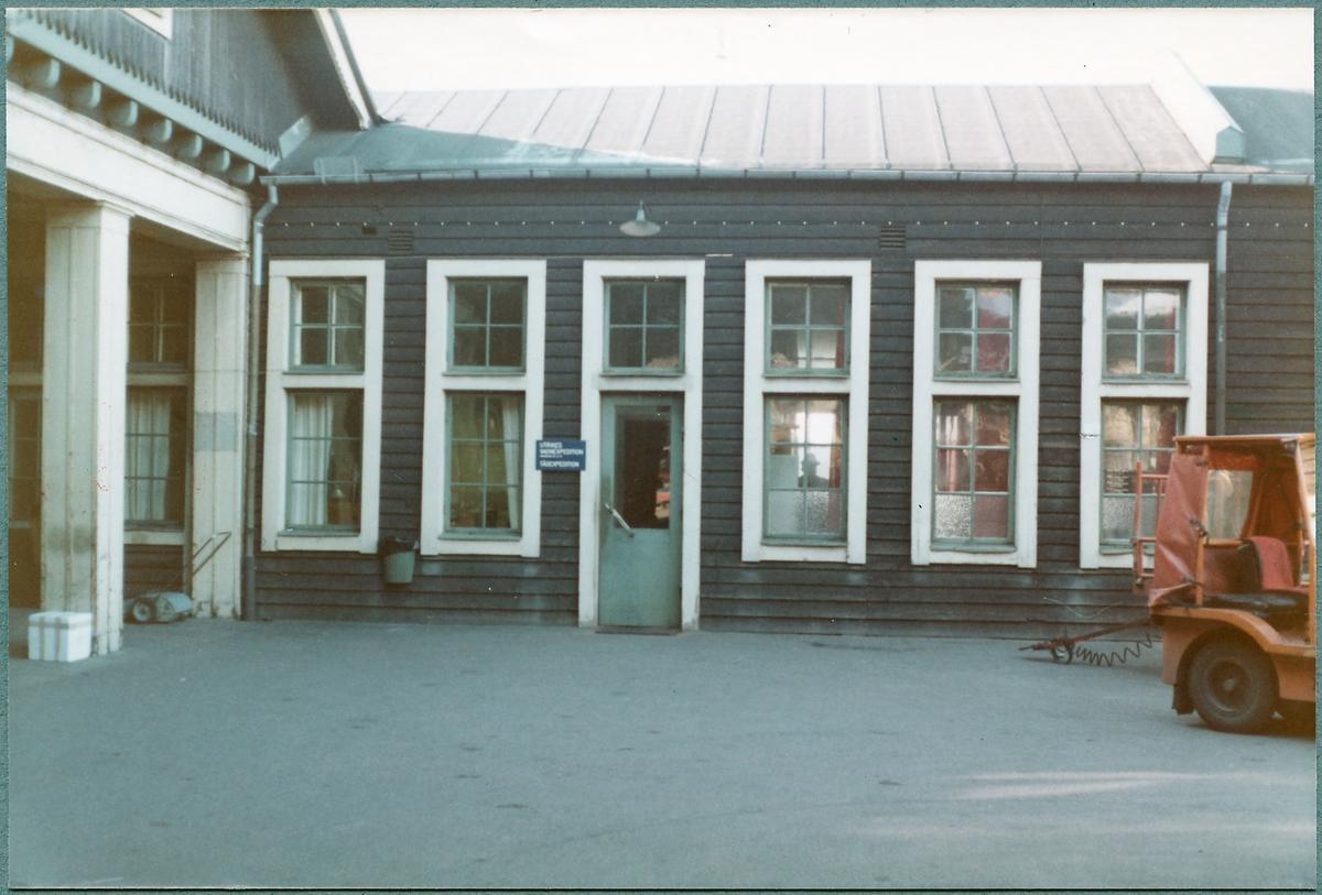 Helsingborg F (färjestation). Entré till tågexpedition och utrikes godsexpedition.