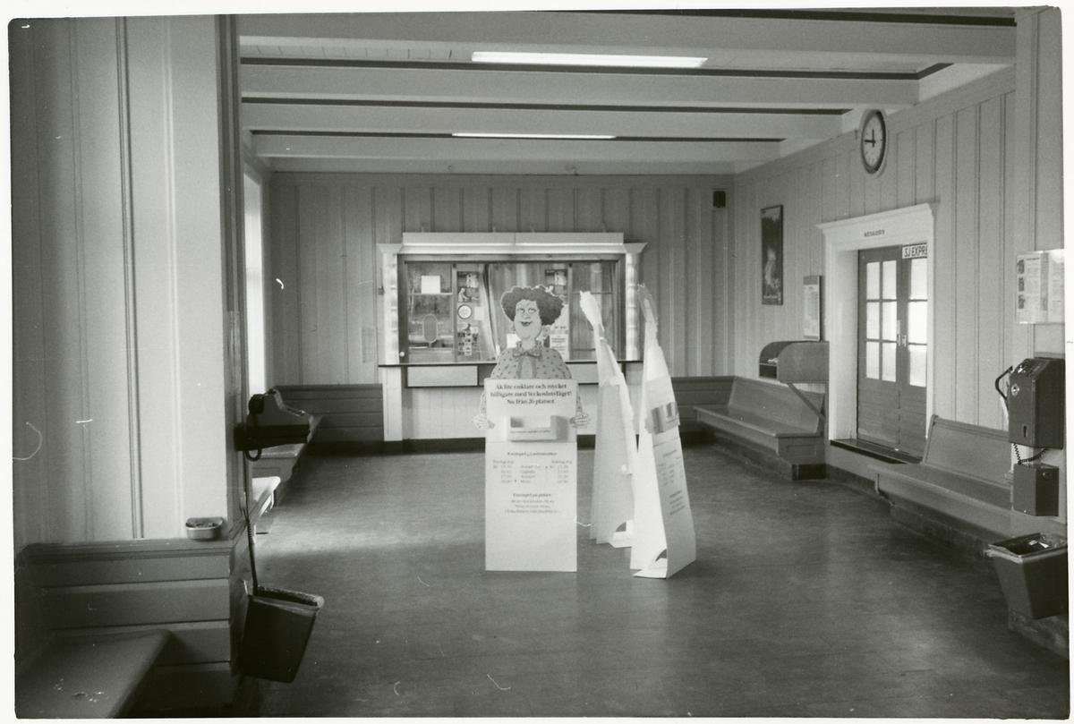 Mora station.
