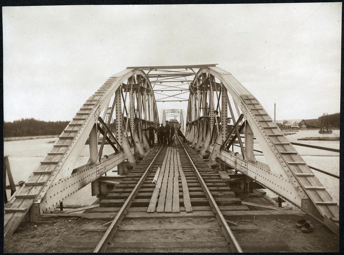 Järnvägsbron över Vanån på linjen mellan Vansbro och Van.