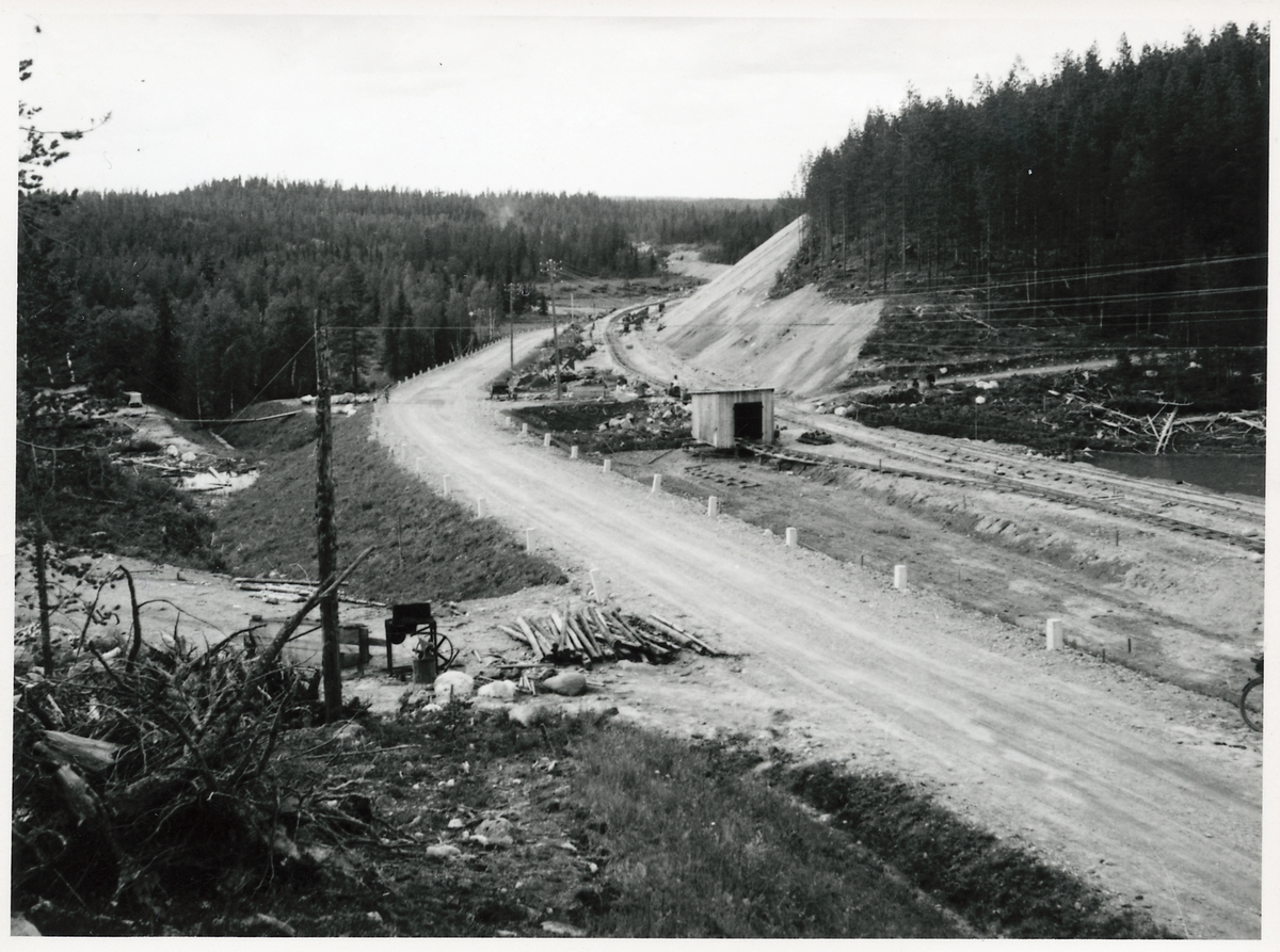 Inlandsbanan, Kåbdalis-Jokkmokk-Vajmat Inlandsbanebygget drar fram genom ödemarken