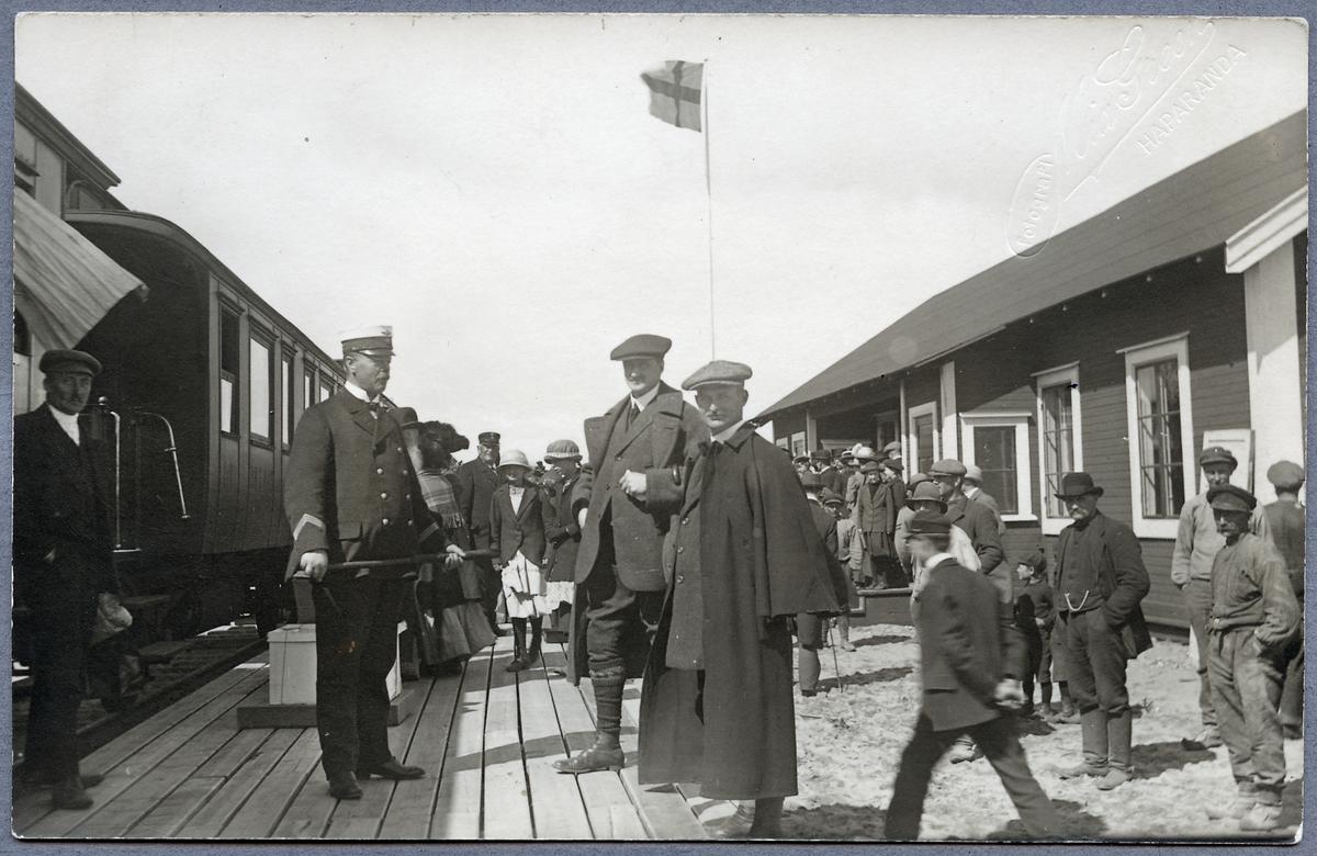 Första persontågets ankomst till Haparanda.