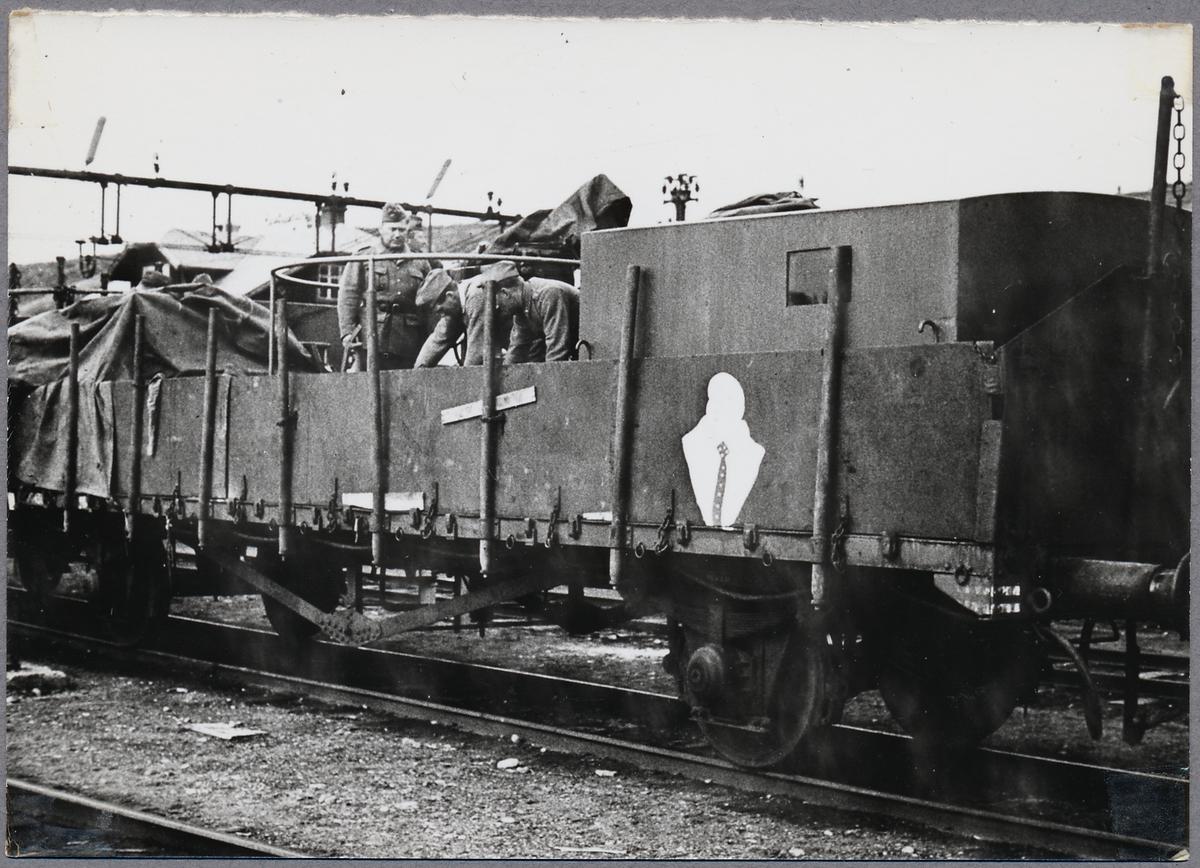 Statens Järnvägar, SJ O-vagn. Transport av krigsmateriel.