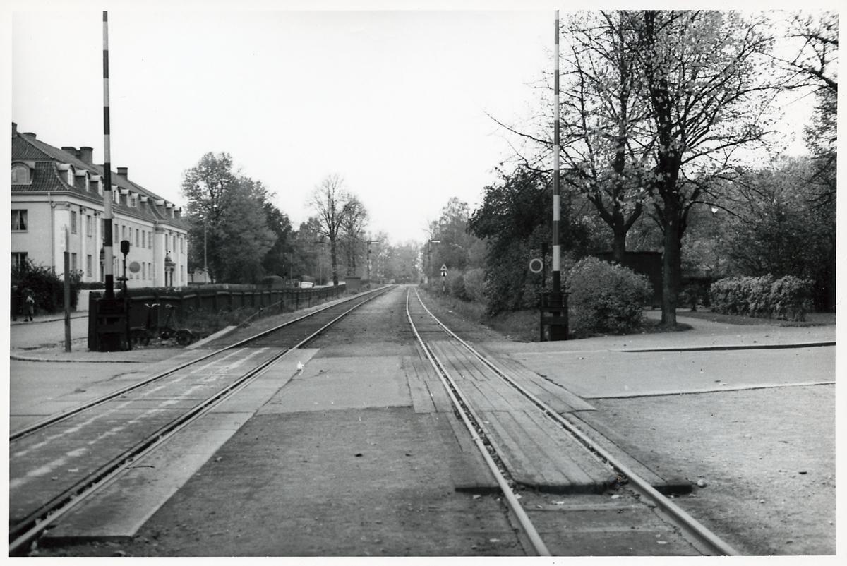 Järnvägsövergång vid utfarten från Kalmar centralstation i riktning mot Nybro.