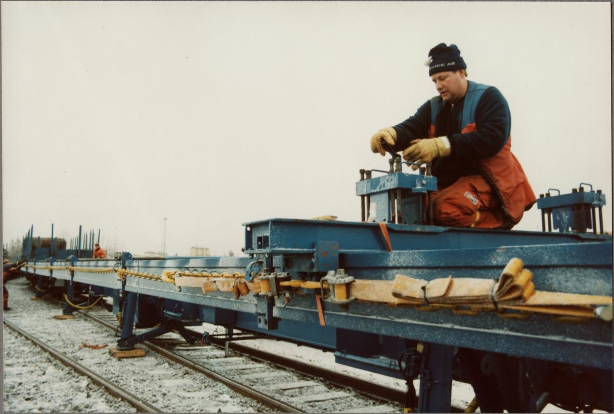 Transport av växel på Statens Järnvägar, SJ Sklps 85-74-474 9 004-9, specialvagn för växlar.