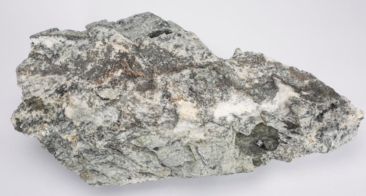 Stort malmstykke med sølv