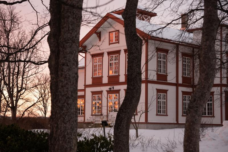 The Main House at sunset. Photo: Anders Myklebust