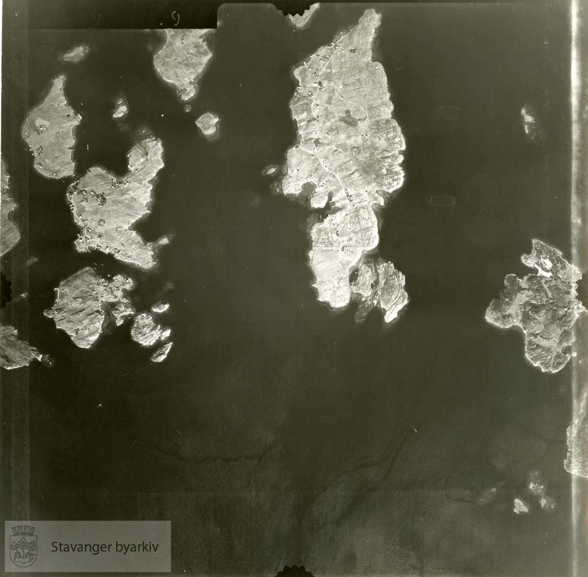 Jfr. kart/fotoplan G29/599..Ormøy, Roaldsøy, Bjørnøy, Vassøy, Lindøy..Se ByStW_Uca_002 (kan lastes ned under fanen for kart på Stavangerbilder)