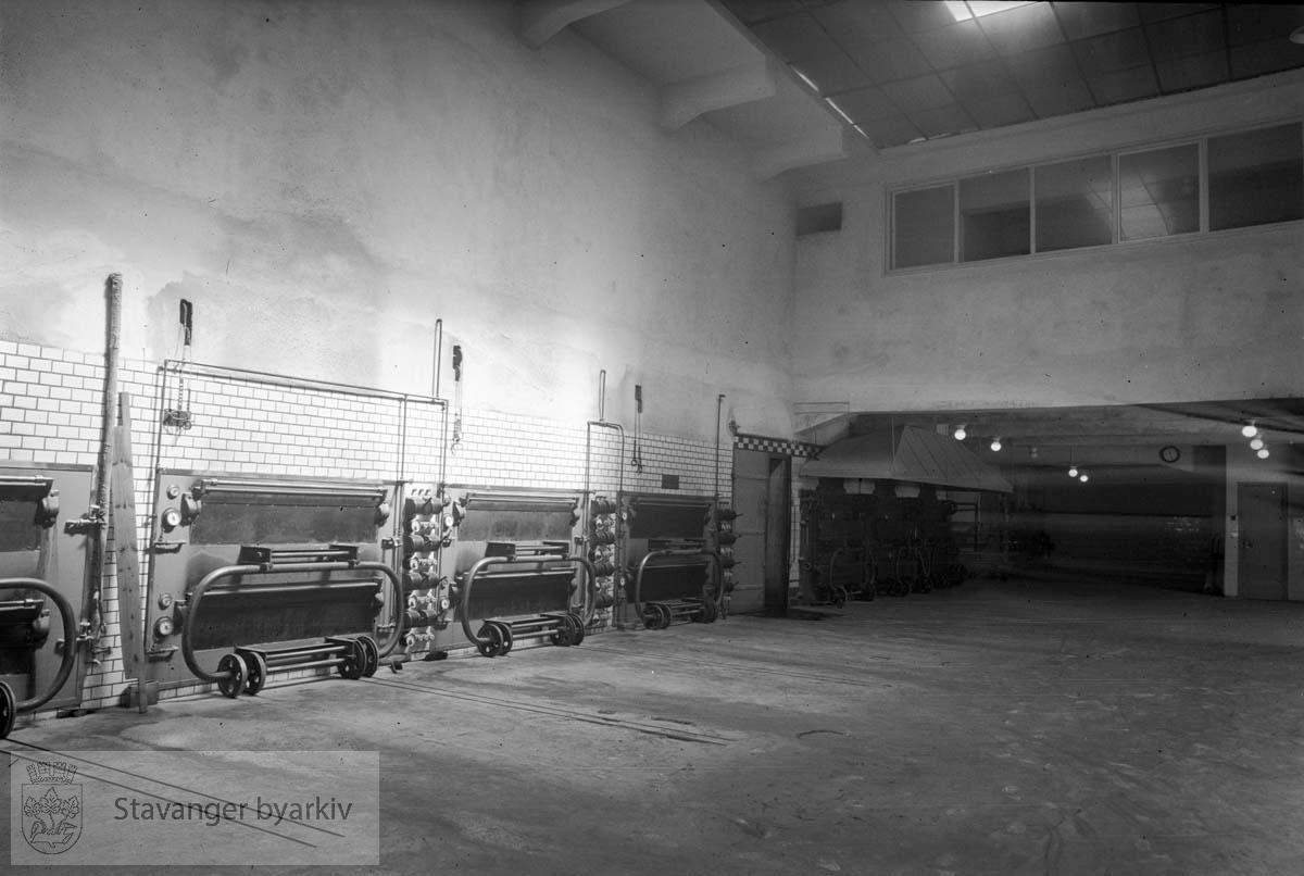Interiør og maskiner i Samholds bakeri