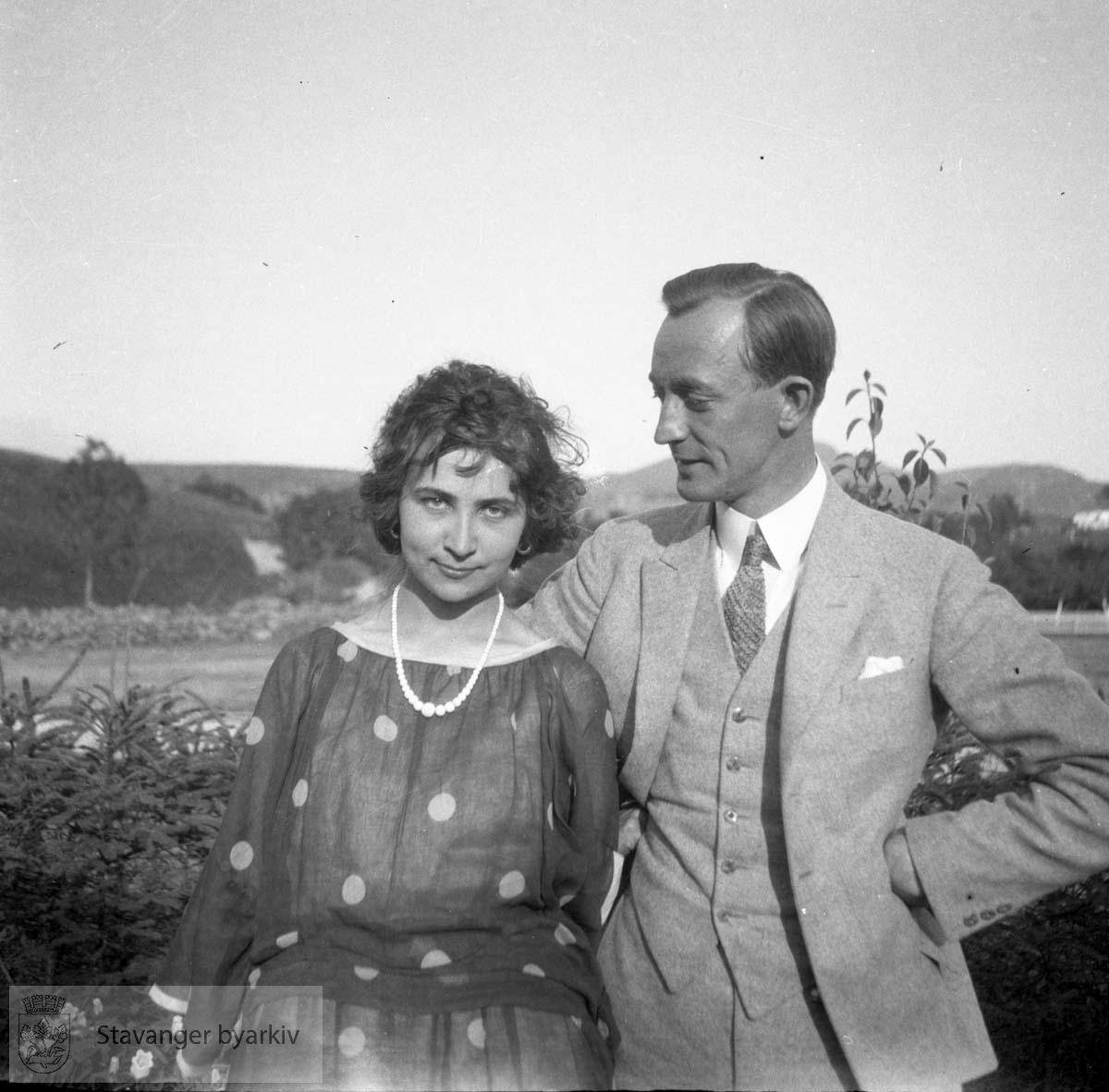 Hans Henriksen og en kvinne (hans ektefelle?)