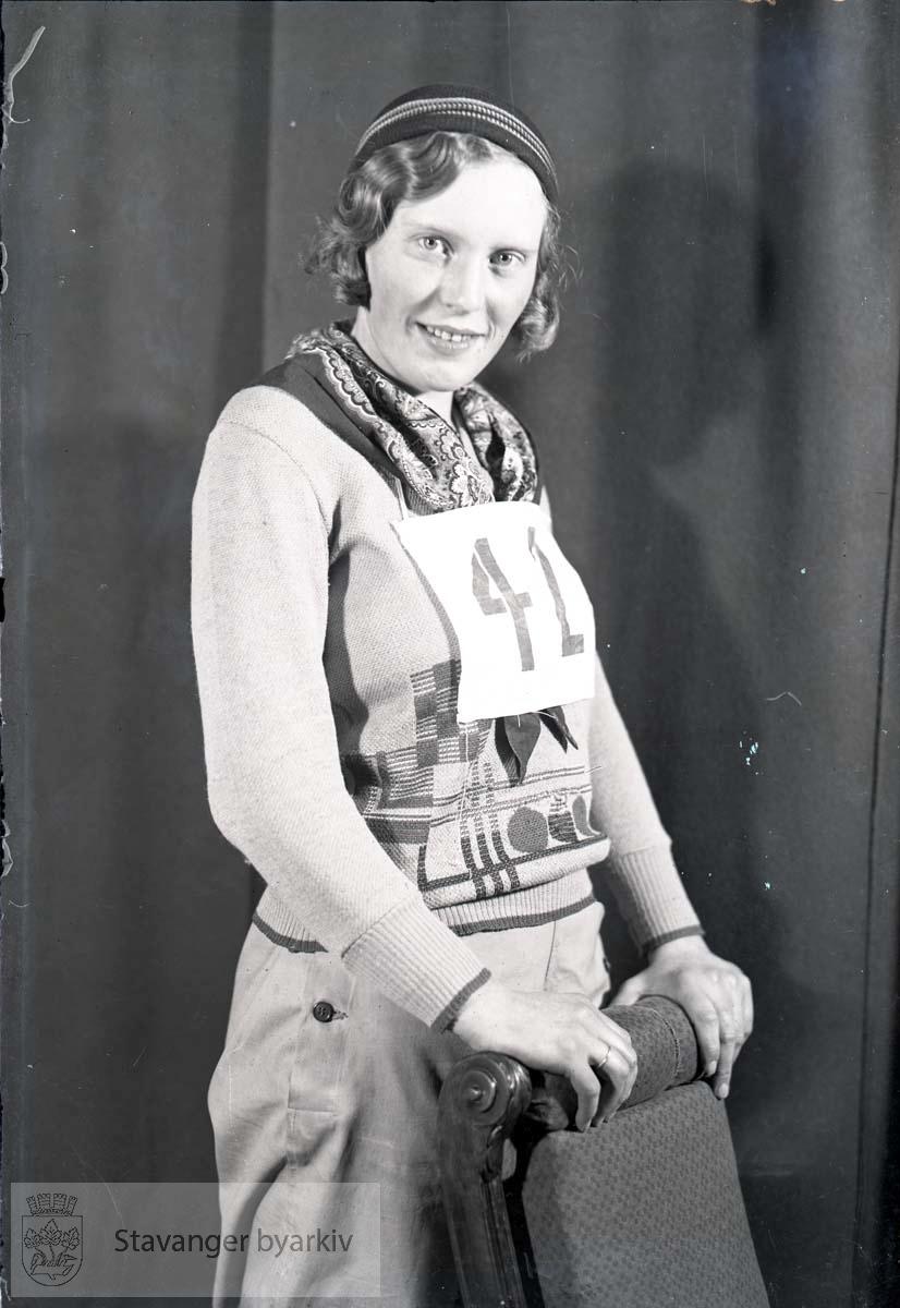 Kvinne med startnummer 42